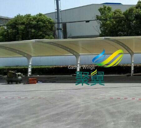 江阴异形钢膜结构车棚施工案例