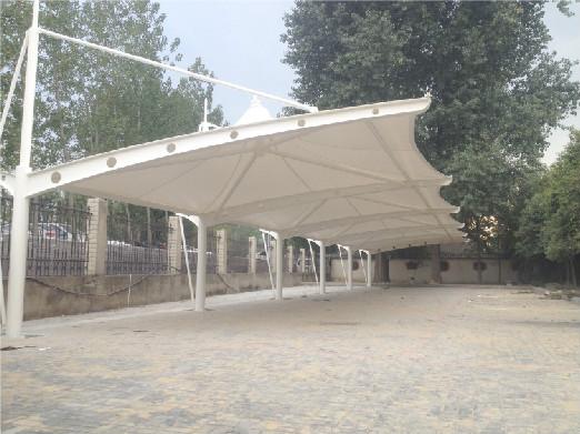 新沂瓦窑中学冒顶车棚设计|冒顶车棚施工案例