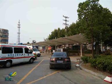 医院停车棚抵御天气,医院停车棚控制光的透射和反射