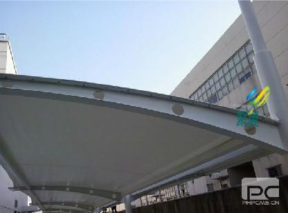 上海膜结构汽车棚市场丰富-汽车棚耐用性及抗击能力