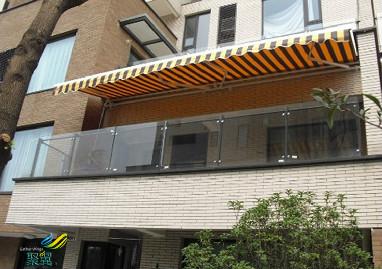 遮阳雨棚重要性-遮阳雨篷自动伸缩雨篷高强度材料